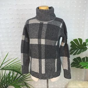 BANANA REPUBLIC Merino Wool Plaid Turtleneck